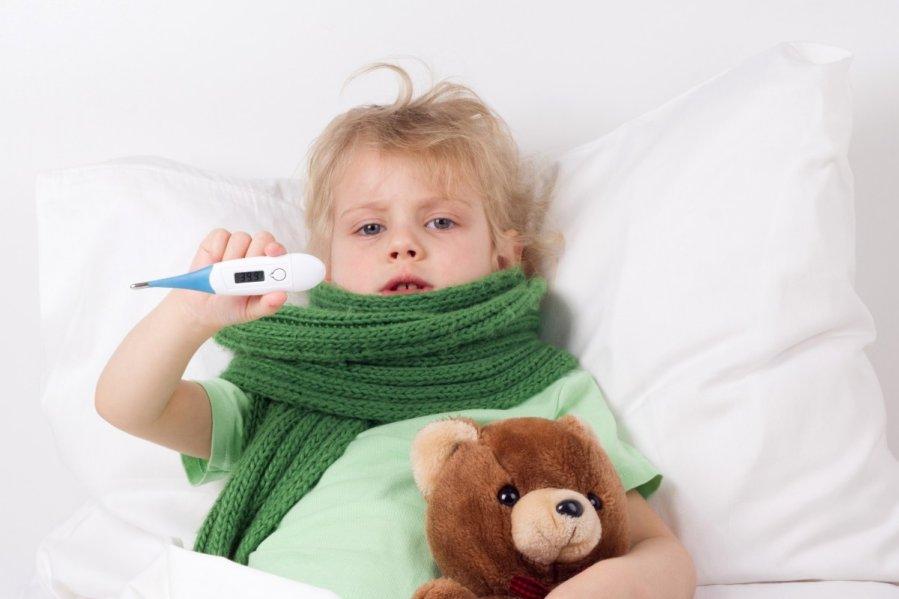 vaikas-serga-temperatura-62698877